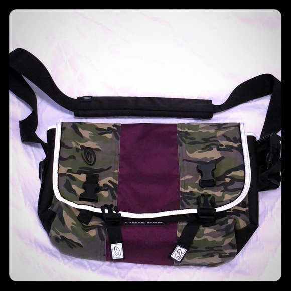 "6136edfaef Timbuk 2 13"" laptop messenger bag -camo and purple"